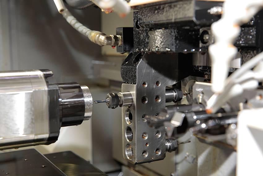 微細穴加工機